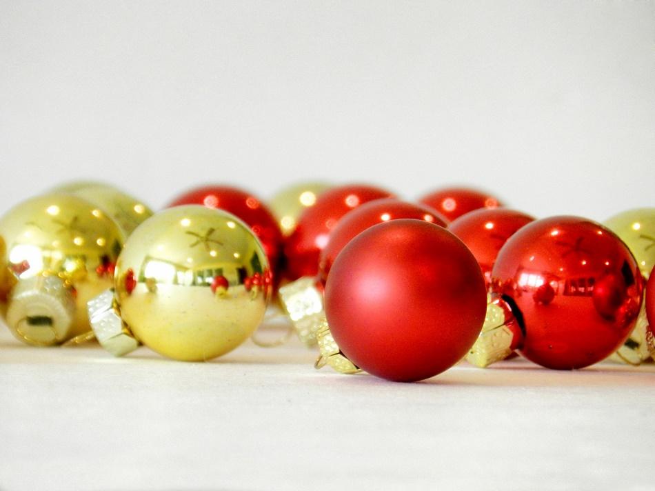 Twelve Contemporary Shopping Days of Christmas