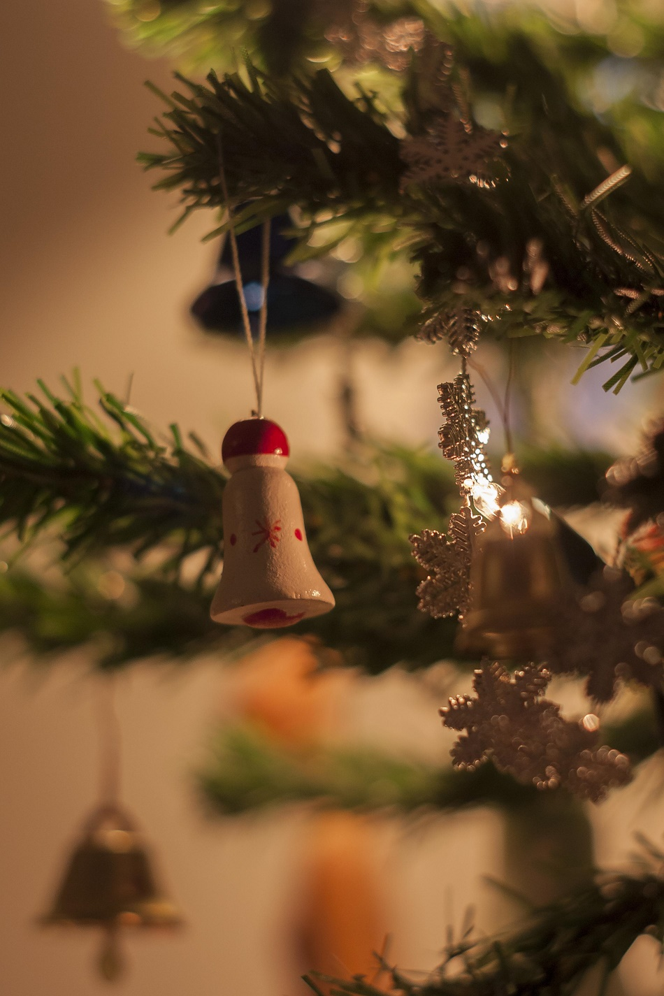 Why You Should Get Your Christmas Decorations Early